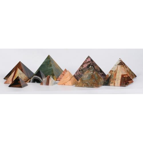 Пирамиды из натуральных камней