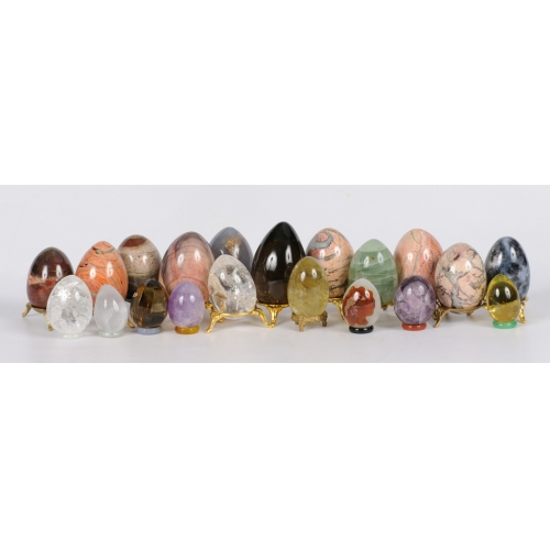 Яйца из камня